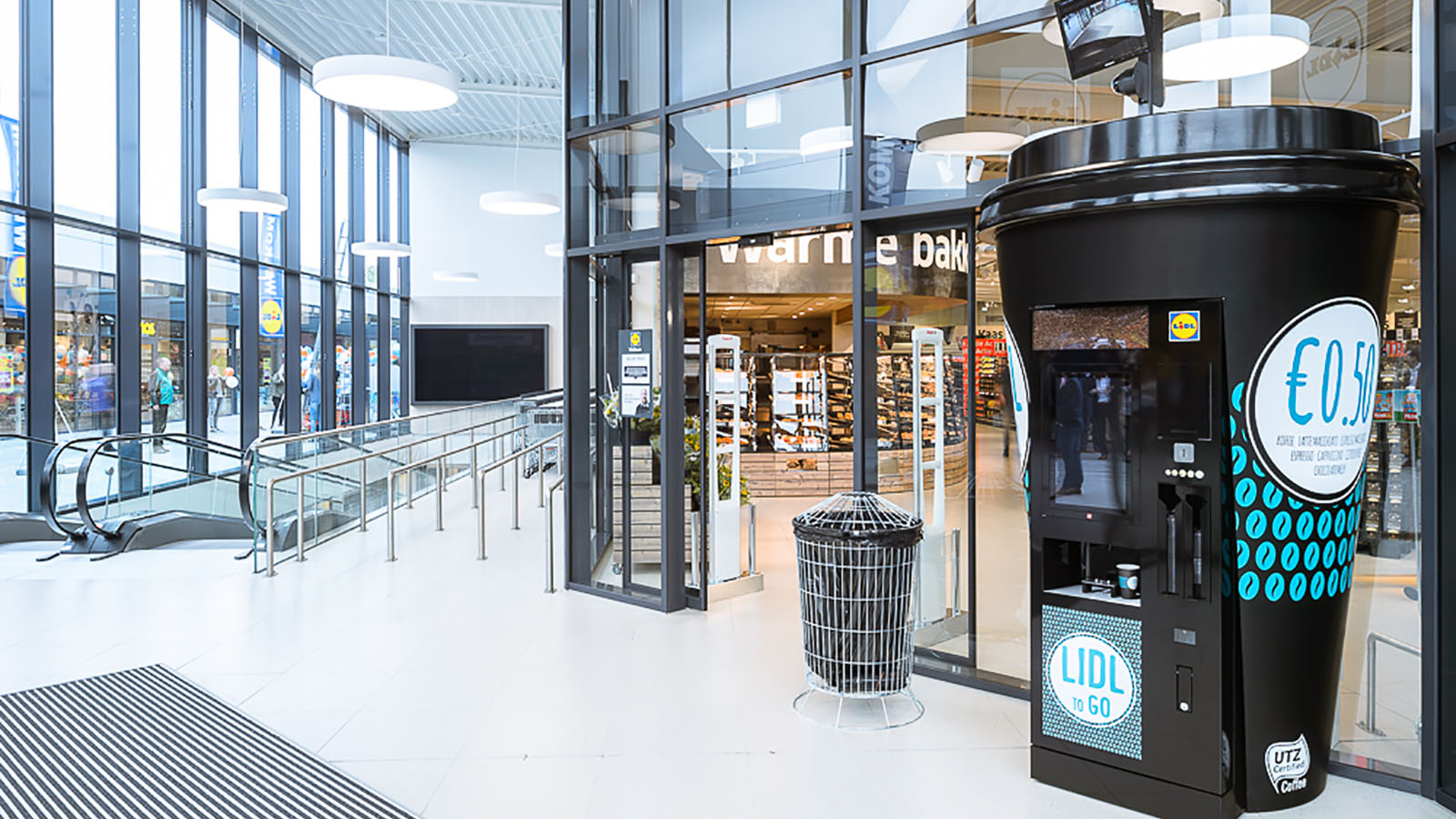 Lidl's coffee cup machine display