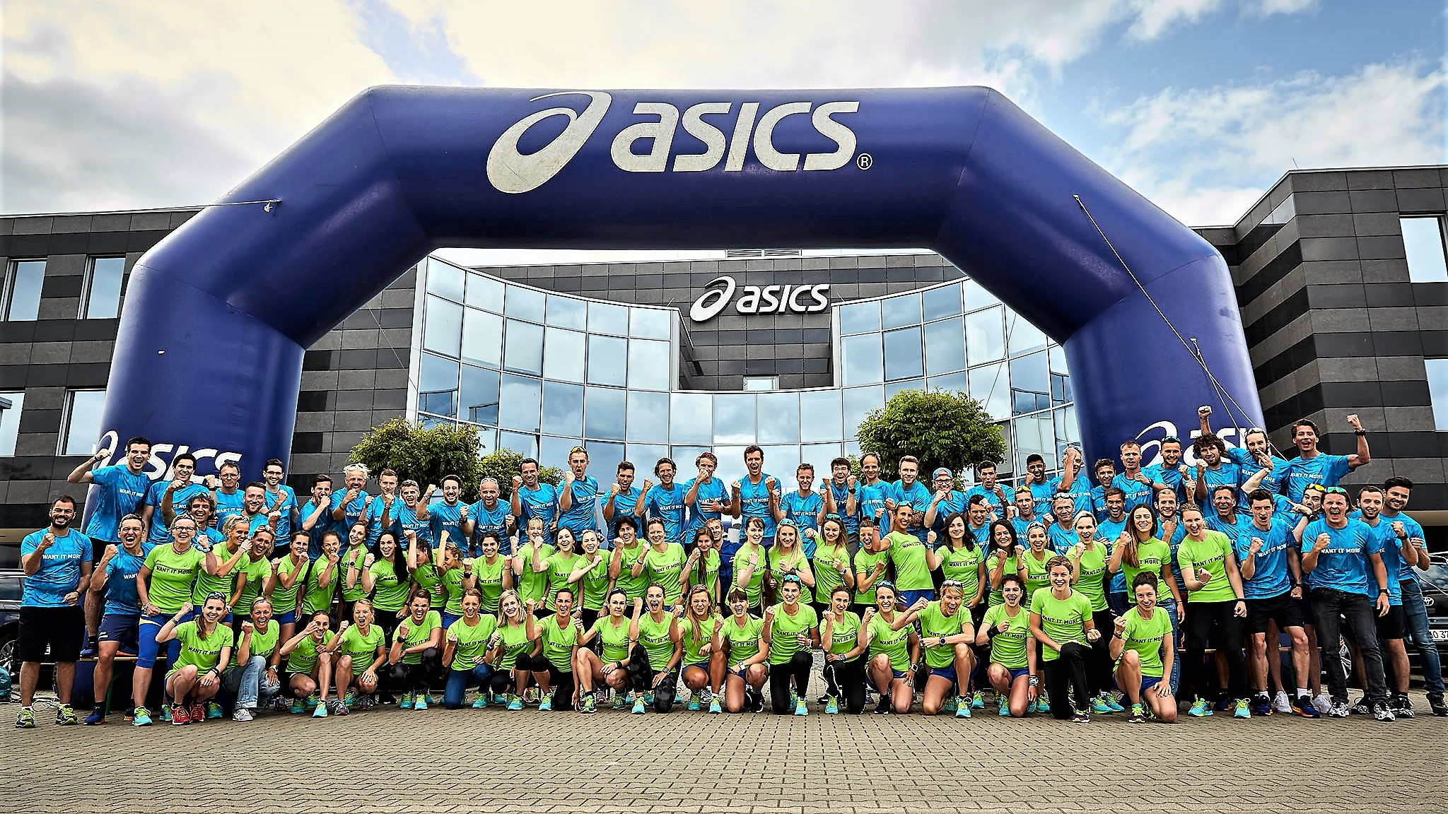 Opblaasbare boog - Publiair voor Asics finish boog sport evenement inflatable arch sports event