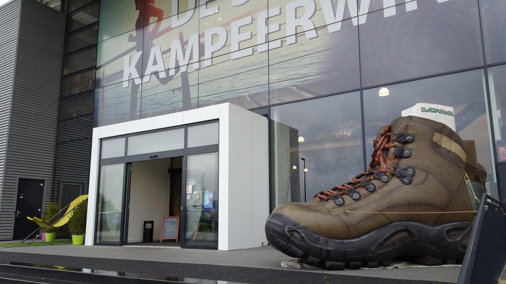 Publi air- opblaasbare schoen blowup - infaltable - shoe - schoen - walking - camping - retail - shops - blowups
