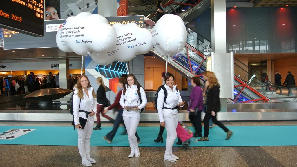 looppakken inflatable publi air promowalkers