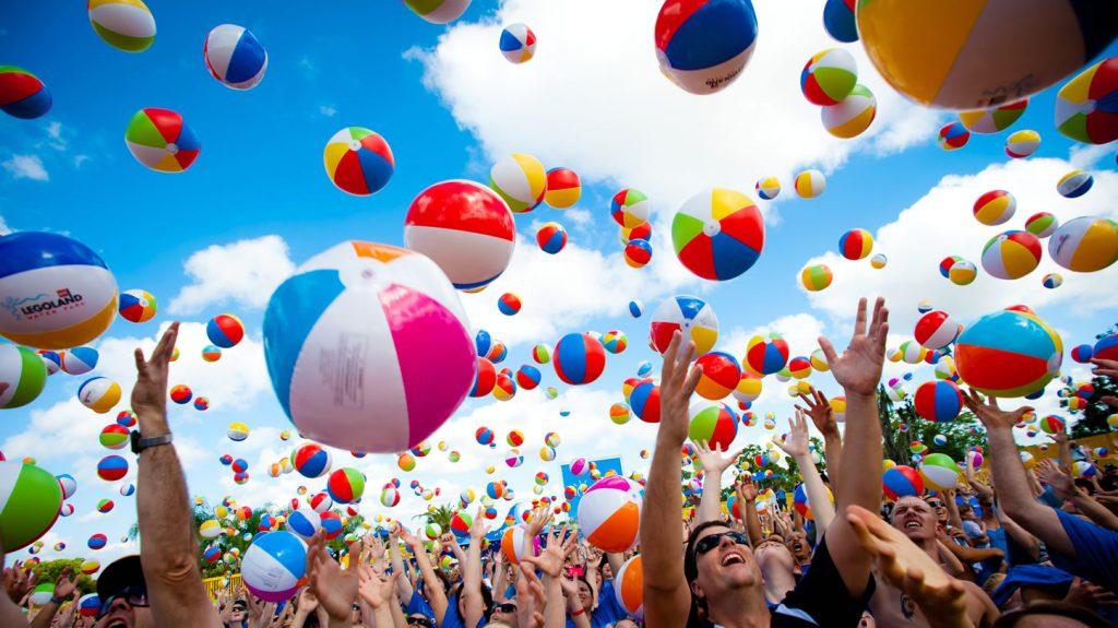 Publi air  Legoland crowdballs inflatable