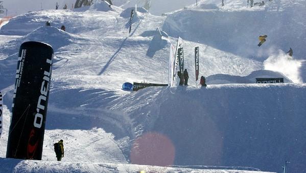 Publi air -opblaasbare-zuil-x-oneil-inflatable- winter - sports - luchtdichte zuilen