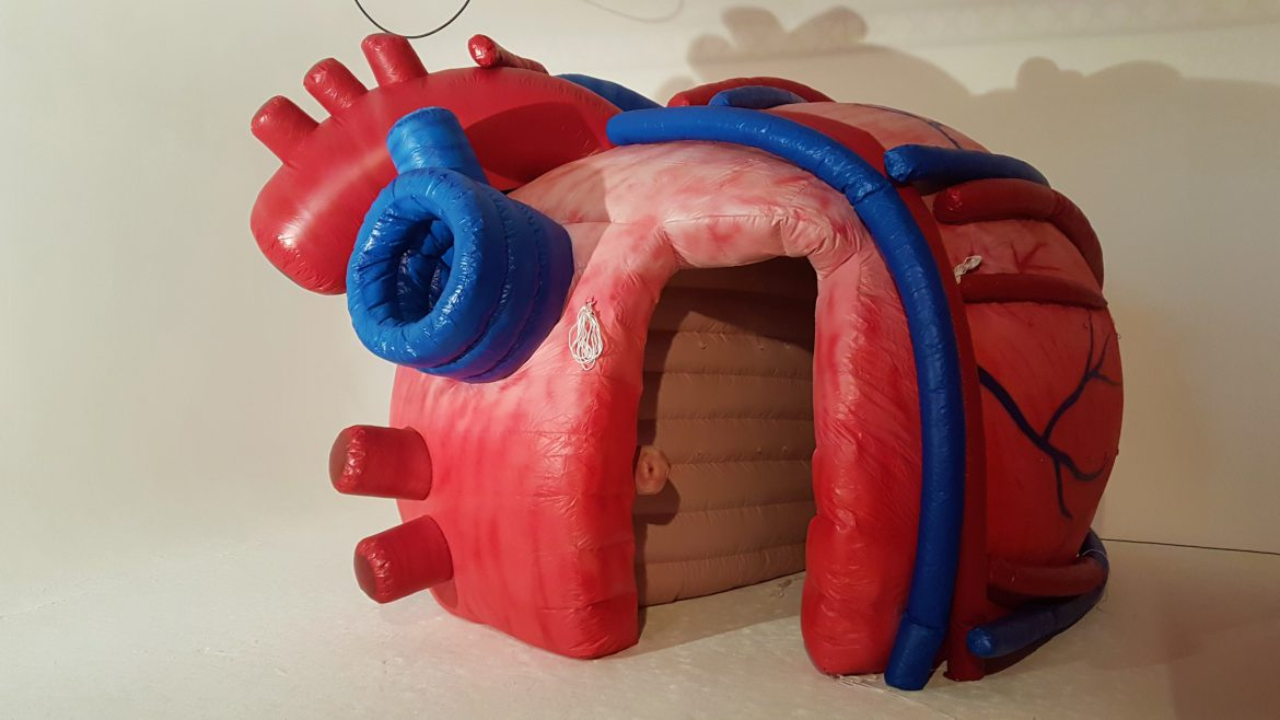 inflatable heart tent publi air